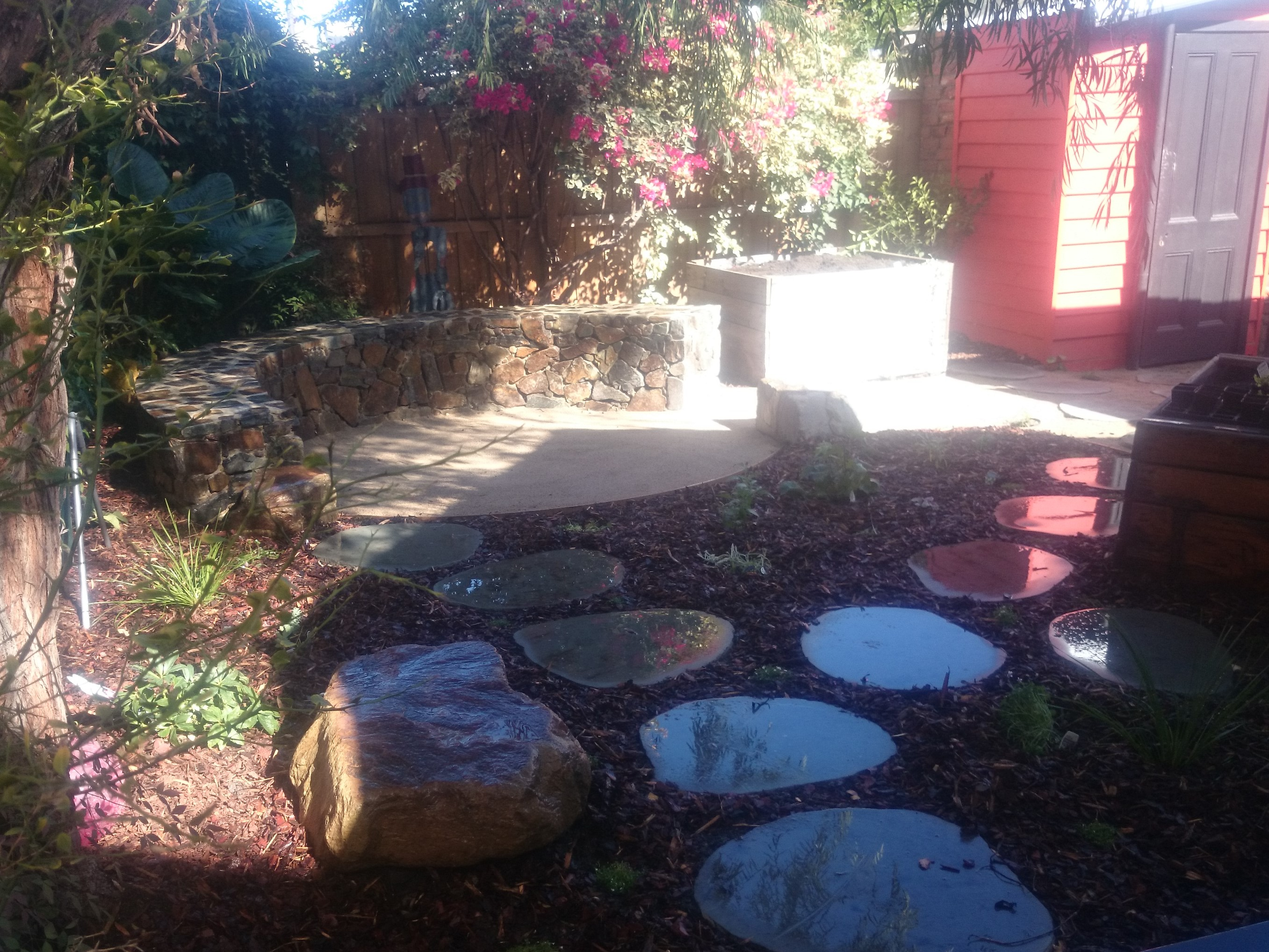 Circular seat, Fire pit, Coldstream stone, seat, Circular stone seat, inner city fire pit