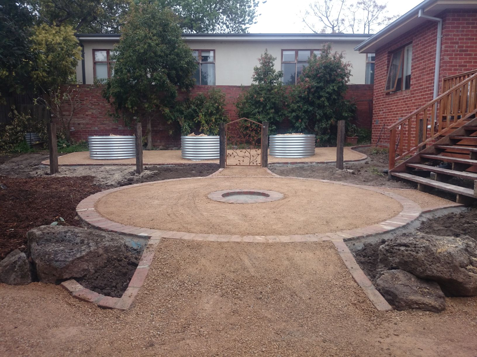 Second hand Red Bricks, Second hand Red Brick edging, Second hand Red Brick edging Rosanna, Compacted Sandstone path Rosanna, Compacted Sandstone
