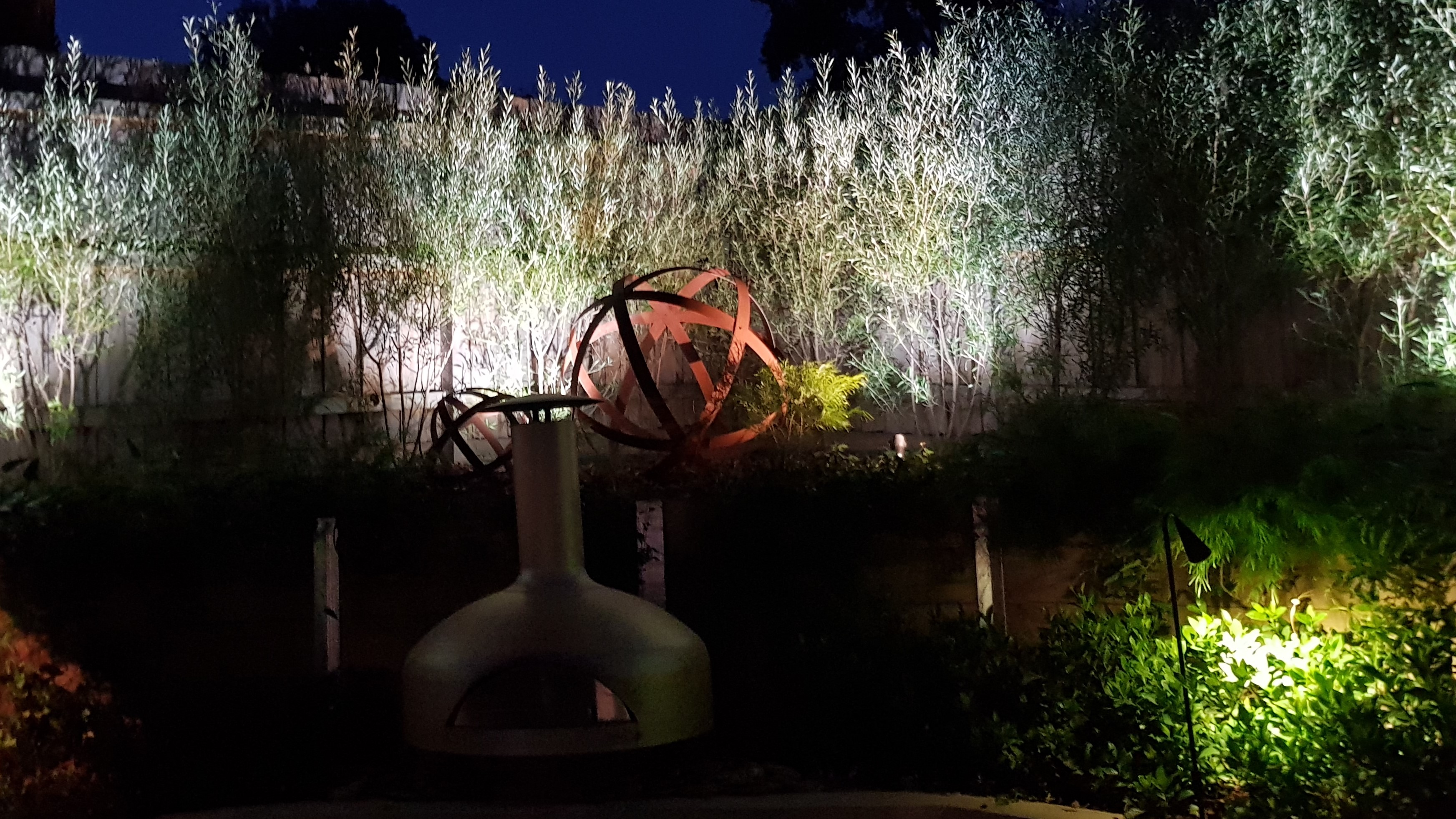 Garden lighting, Garden Art, Lights outside, Feature lighting, Tree lighting, up lighting