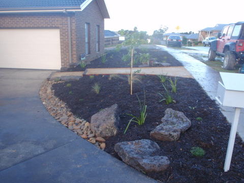 Low Budget landscape, front garden, Diamond Creek, Path, Rocks