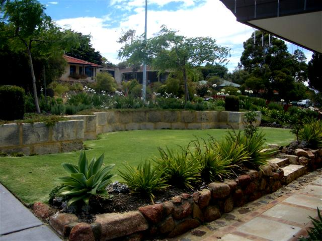 Landscape garden supplies perth for Front garden design ideas melbourne