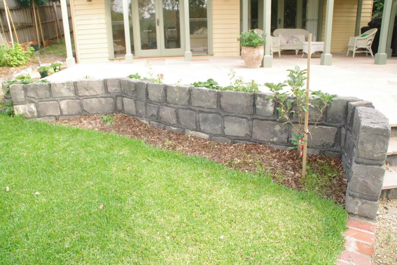 Blue stone block wall kate ashton landscape design for Landscaping rocks melbourne