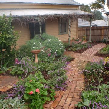 Cottage garden design melbourne pdf for Garden ideas melbourne