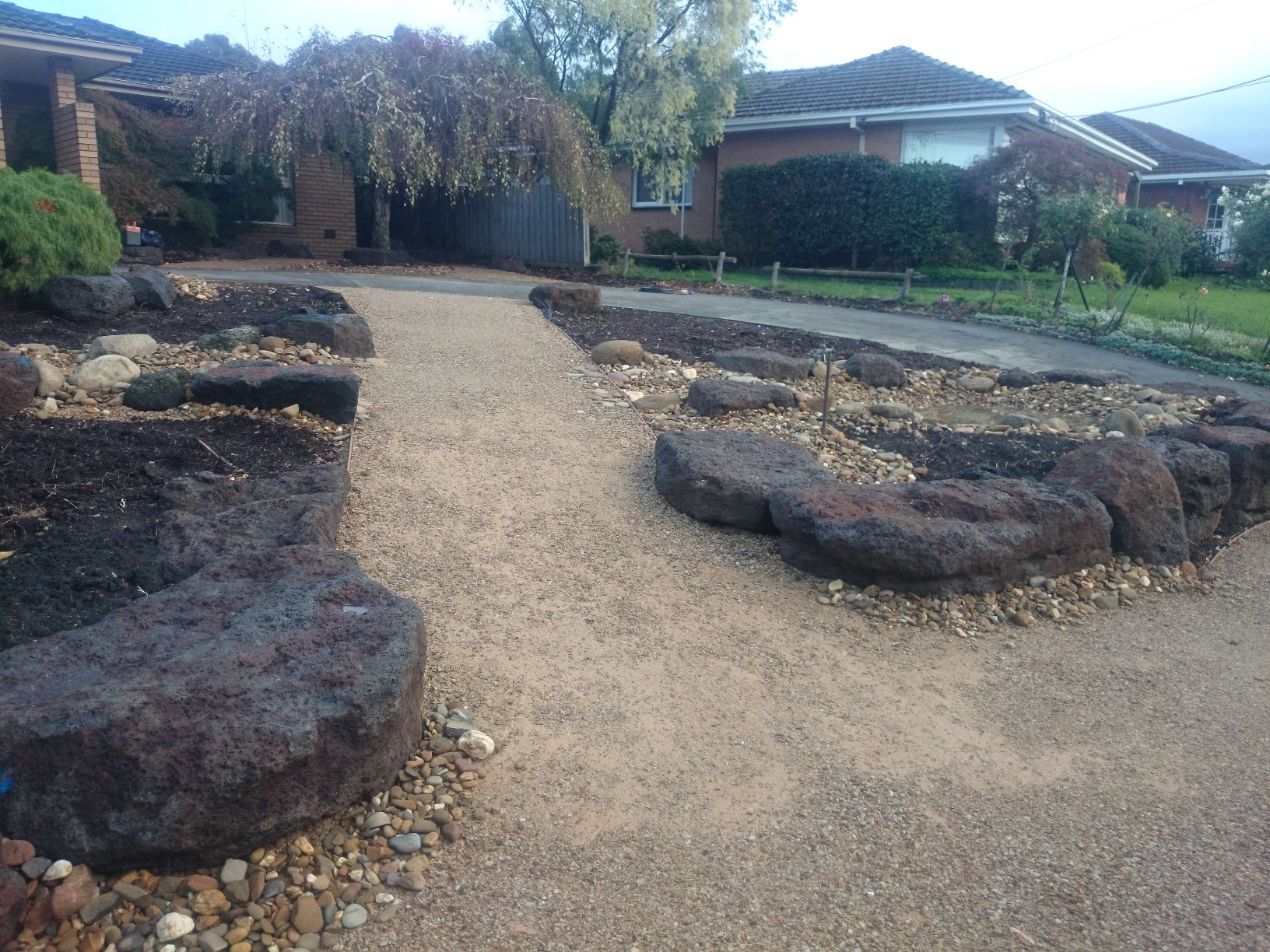 Colac rock for retaining,