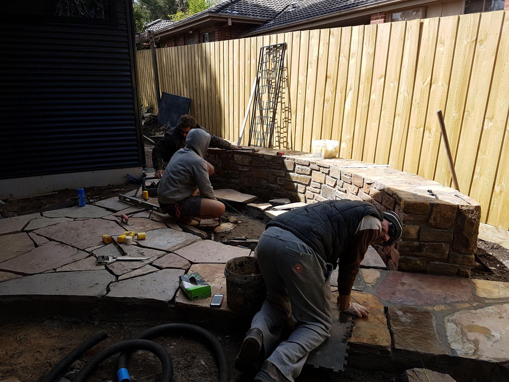 Crazy paving, natural stone paving, Ramdon Stone paving, Coldstream stone seat, Courtyard garden