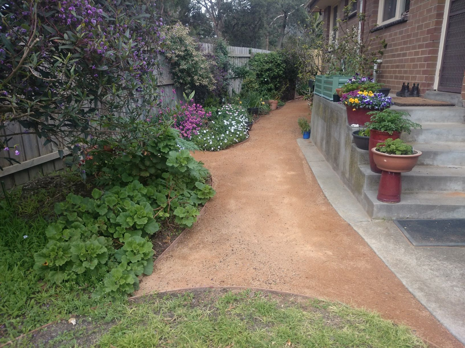 Garden path, compacted toppings, compacted sandstone,