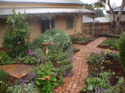 Front garden, Cottage garden, gadren design, Cottage
